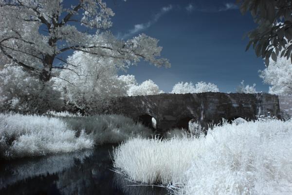 Northborough bridge, Buckinghamshire by blessedjohn