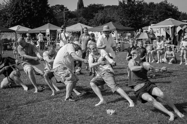Tug o' war - Parbold Summer Festival
