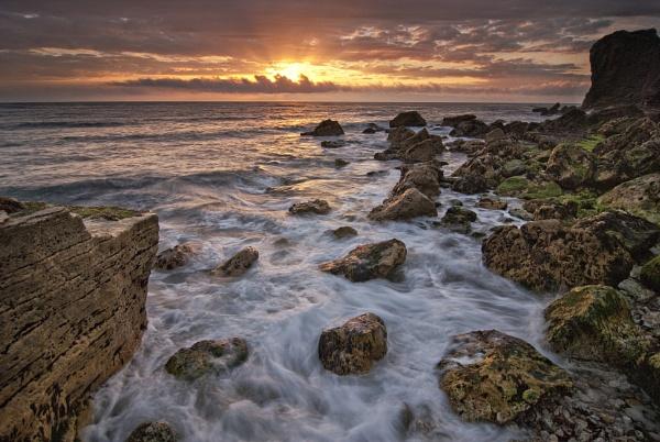 Trow rocks. by Dugi34