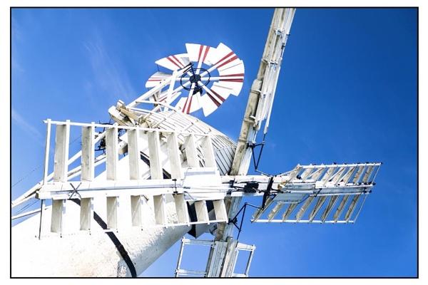 Thurne wind pump- Norfolk Broads by airfreq