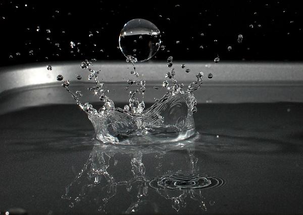 Splashdown by turniptowers