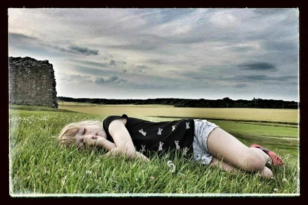 sleeping at Duffus Castle by feefeepootle