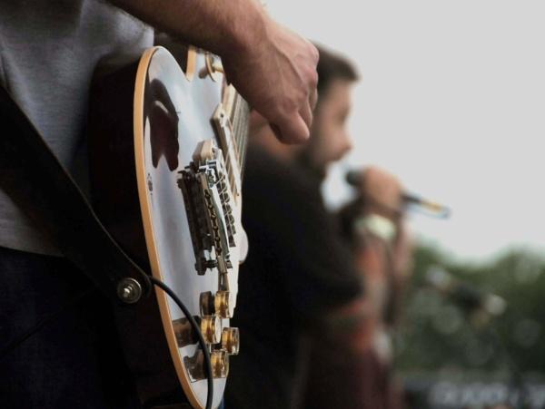 The Guitarist by sevenmalt