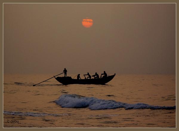 Sunrise at Puri Sea Beach (India)... by debu