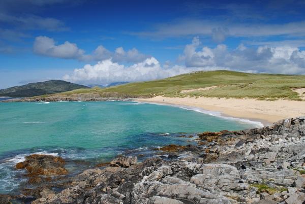 Beach in the Isle of Harris by sadmurph