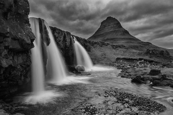 Three waterfalls by Daxiesmum