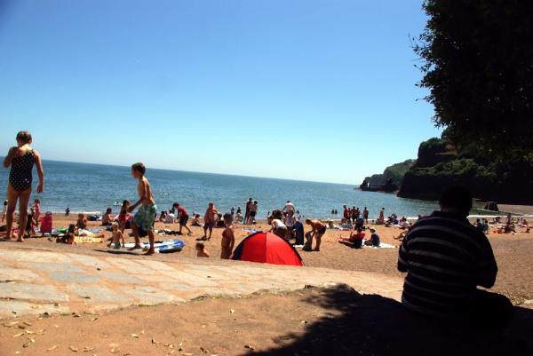 A dawlish Beach omn baking hot day! by Hamlin