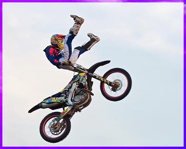 Extreme Stunts by Bickeringbush1