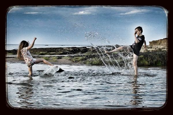 Splash by feefeepootle