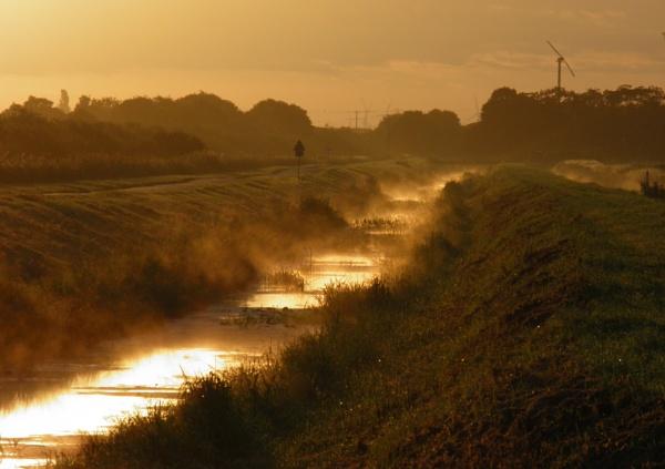 SSSI sunrise by longhoss