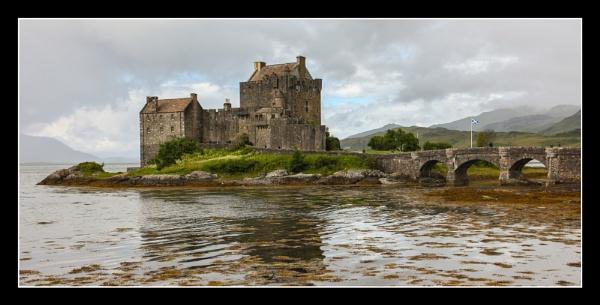 Eilean Donan Castle by DicksPics