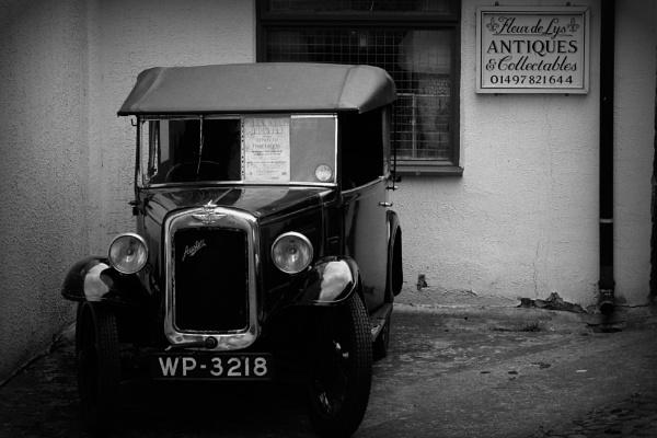 Brum in Hay-on-Wye by bigtommy79