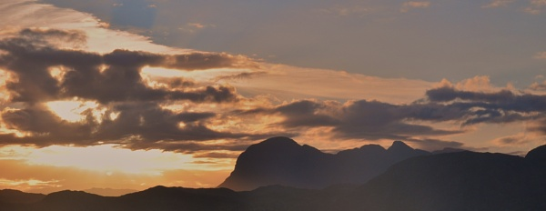 Suilven Sunrise by hermless