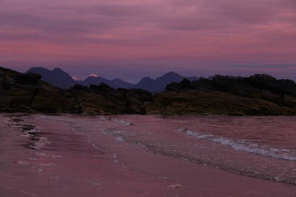 purple scene at Gairloch by feefeepootle