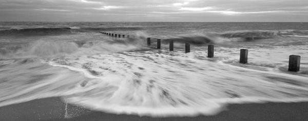 Breakers on Winthorpe Beach by AndyMurdo