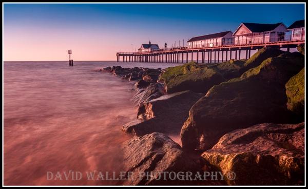 Sunrise & stones by Dwaller