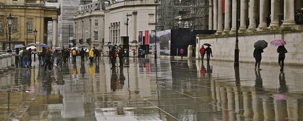 Urban Life 23 - sightseeing in the rain