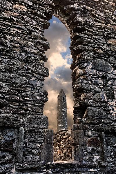 Glendalough Round Tower by Porthos