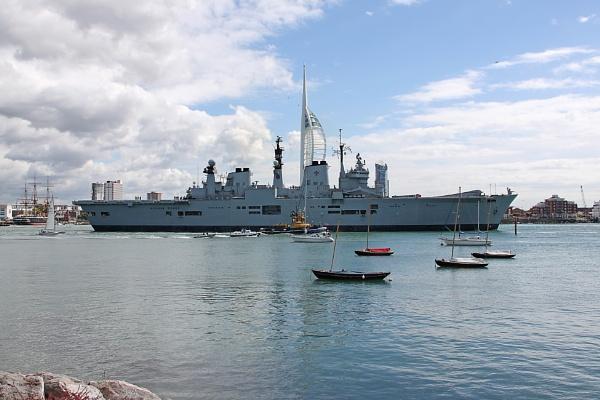 HMS Illustrious (image 2) by oaklea