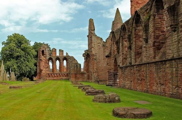Arbroath Abbey by lenocm