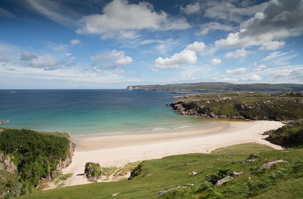 A Crowded Beach... by Scottishlandscapes