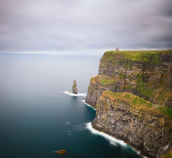 Cliffs of Moher by brzydki_pijak