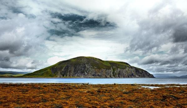 Davaar Island by tynetoons