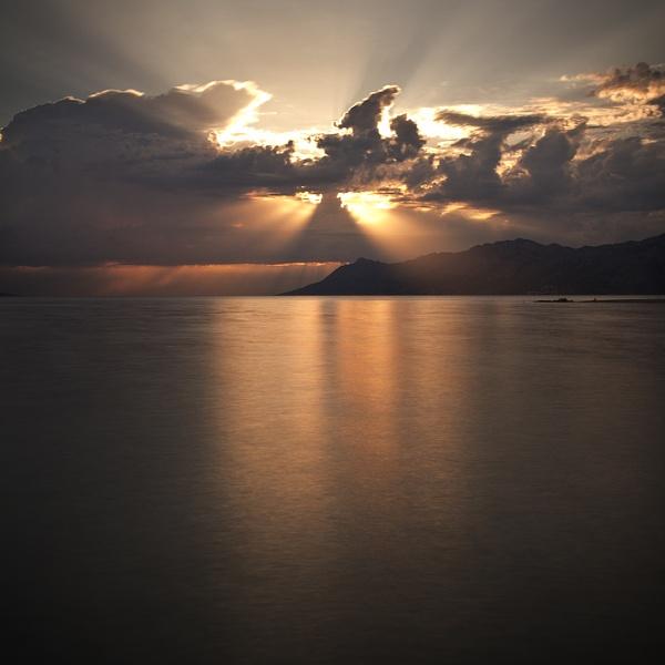 light by piotrus33