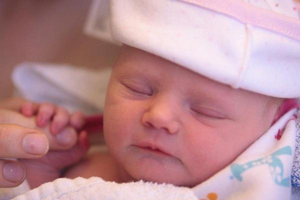 Sleepy newborn by stickle