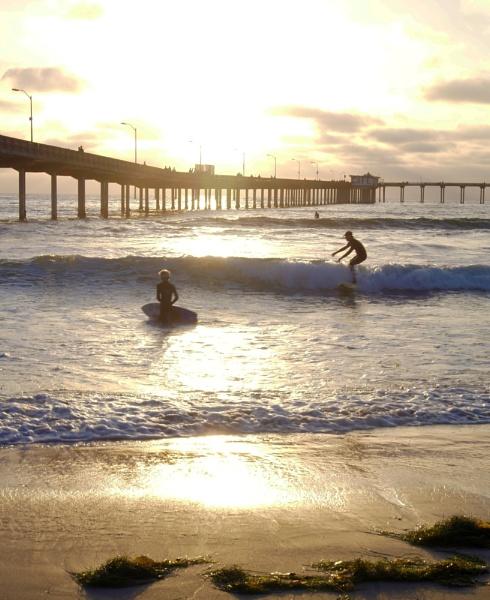 A NICE DAY TO SURF by rariyanto99