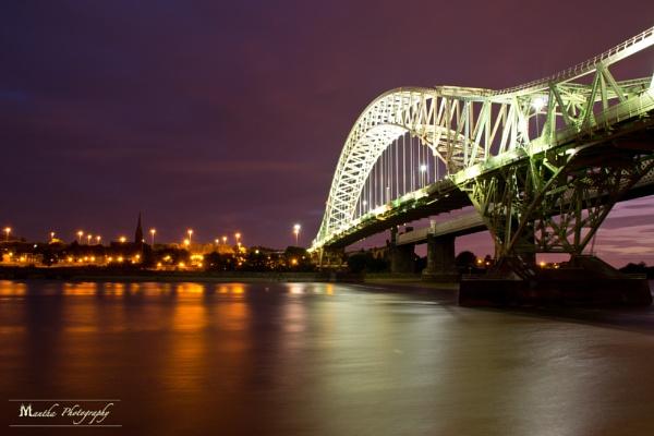 Runcorn Bridge by ManthaTog