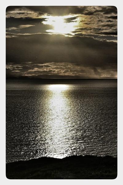Sun rays by feefeepootle