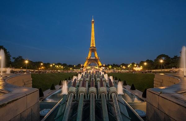 Eiffel by Coleslaw
