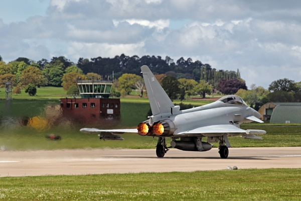 RAF Eurofighter Typhoon FGR4 by GlenP