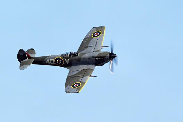 Spitfire TE311 by GlenP