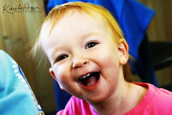 Smiling Scarlett by kayla_ann