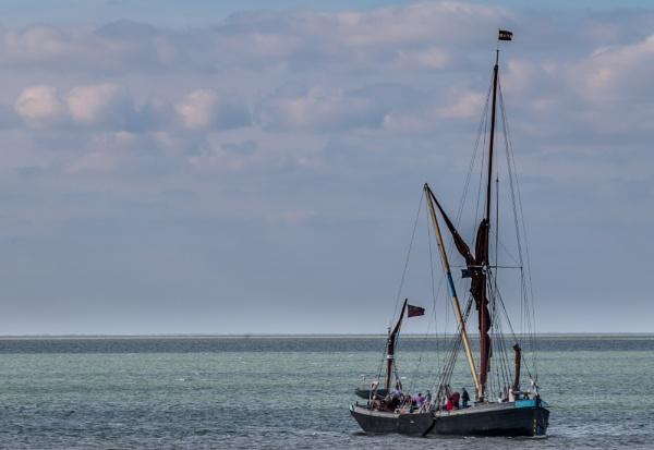 Prepareing to dock by Nikonuser1