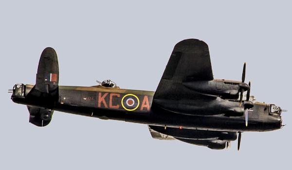 Lancaster bomber by pp1