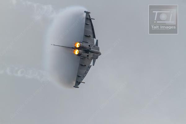 Typhoon by staituk