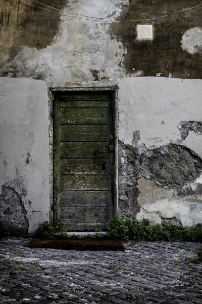 Green Door by neilrwalker