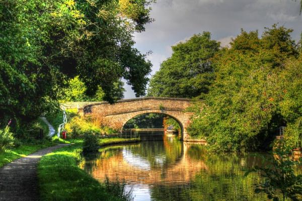 Under the bridge by jakrabbit