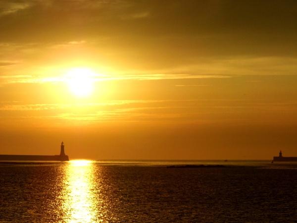 sunrise pier by paulpirie