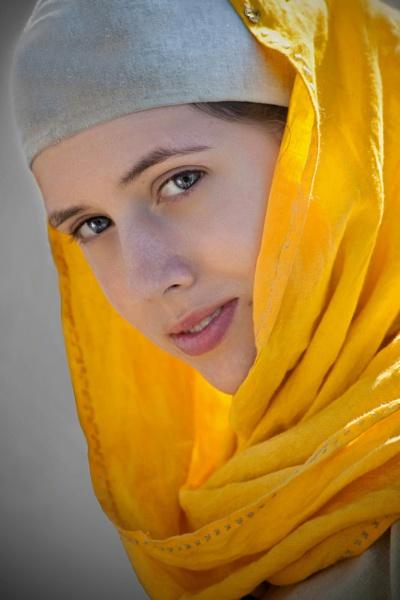 Medieval Miss by lulubaby