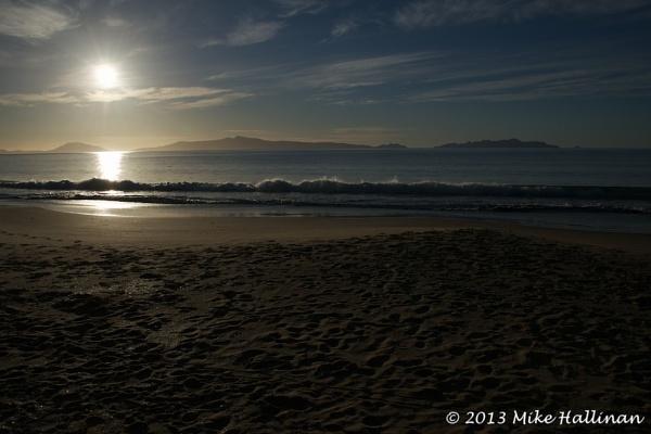 Dawn on Mayfield Beach, Glamorgan/Spring Bay, Tasmania by DRGW497