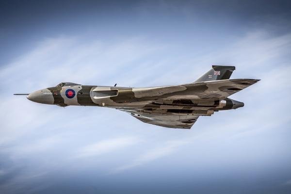 Vulcan bomber by lee72