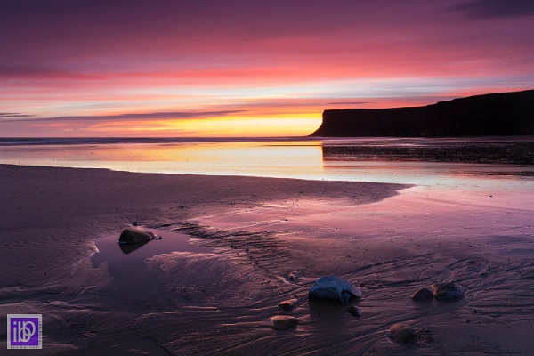 Huntcliff Dawn by IanBurton