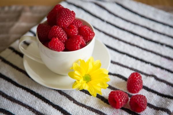 Raspberry saturday by Harding
