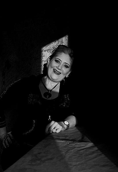 La señora de la barra. by GBauer