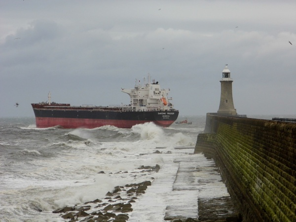 bad sea by paulpirie