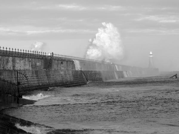dark waters by paulpirie